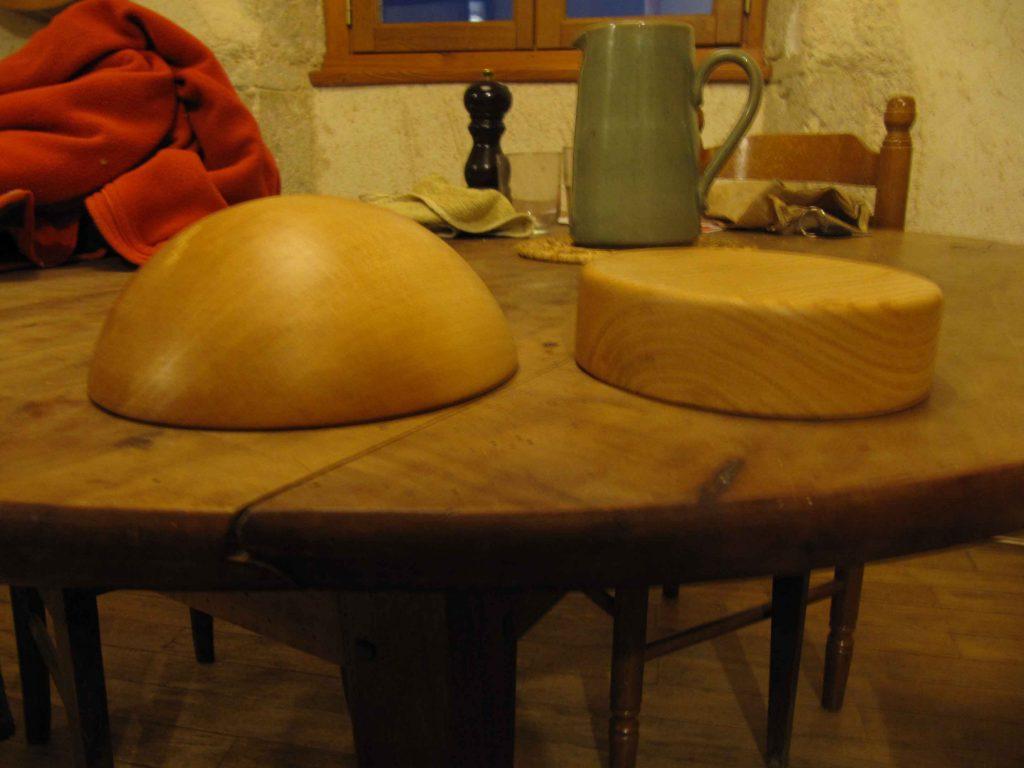forme en bois à chapeau